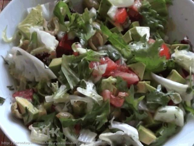 Salat iz gorbushi i avokado