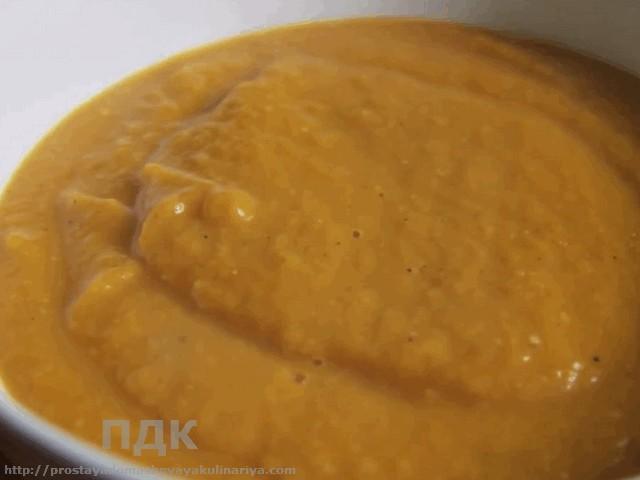 Ostryj sup iz kuricy po-indijski