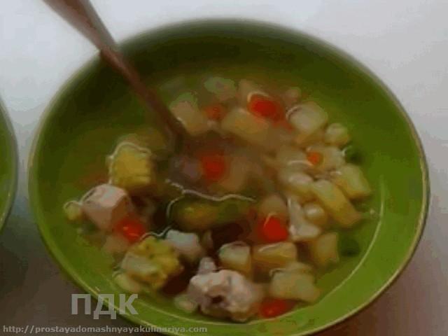 Sup iz kuricy s kartofelem po-moldavski