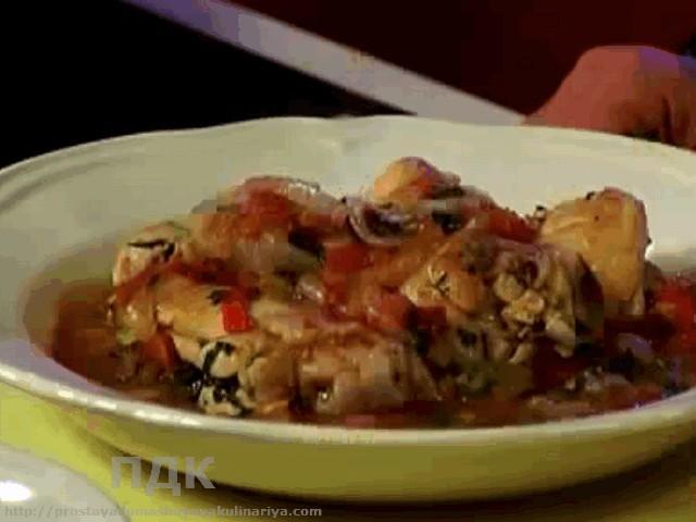 Kurinye okorochka s pomidorami i bolgarskim percem