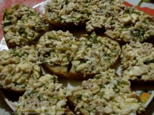 Вuterbrody s pechenyu treski na bagete (zakusochnye)