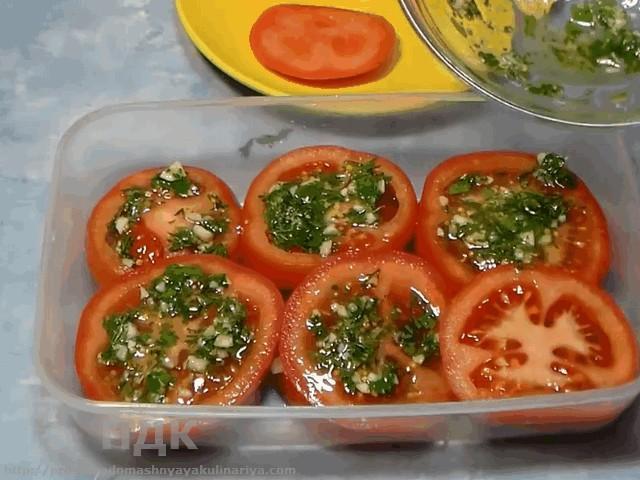 Marinuem pomidory po-italyanski
